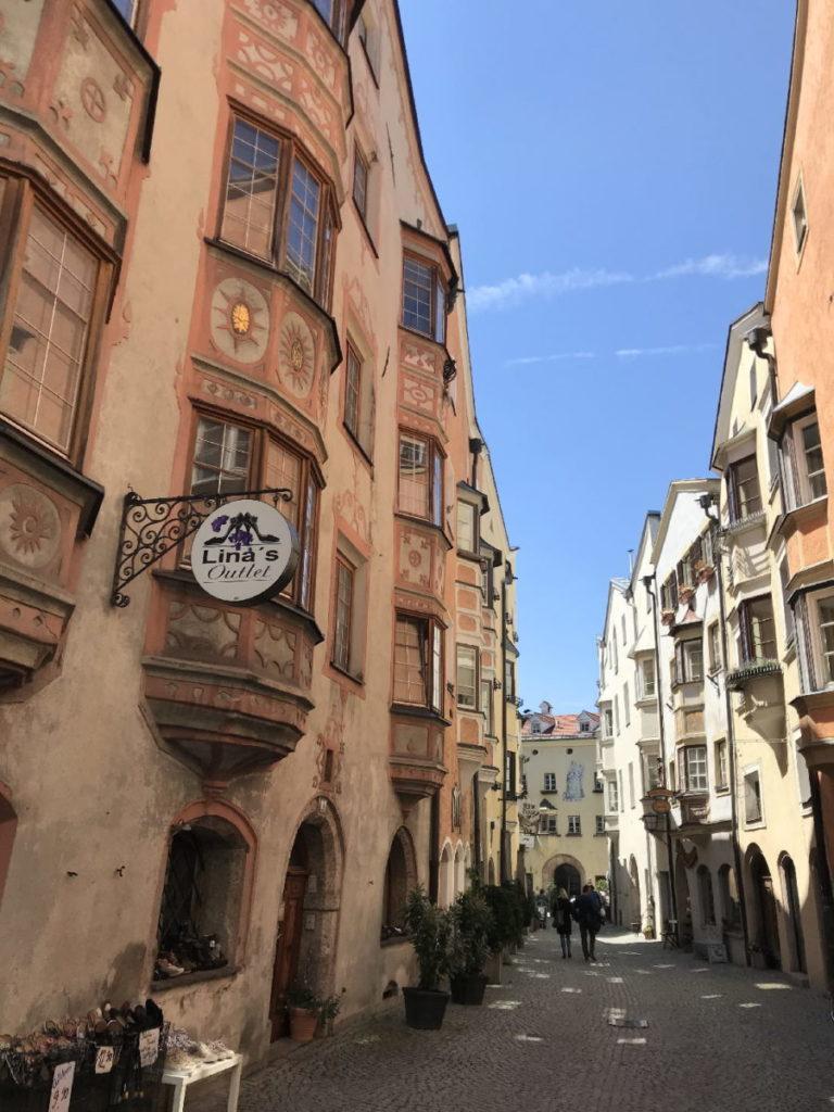 Entdecke die Hall in Tirol Sehenswürdigkeiten - mit der größten Altstadt in Tirol!