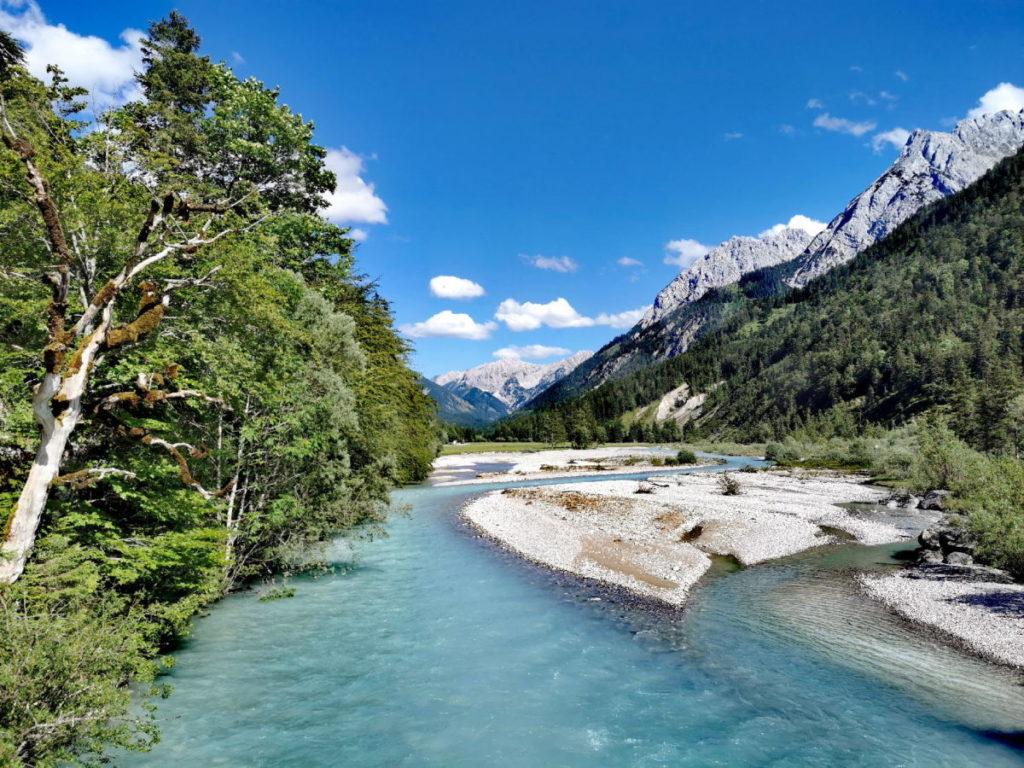 Idyllische Flußlandschaft am Rissbach