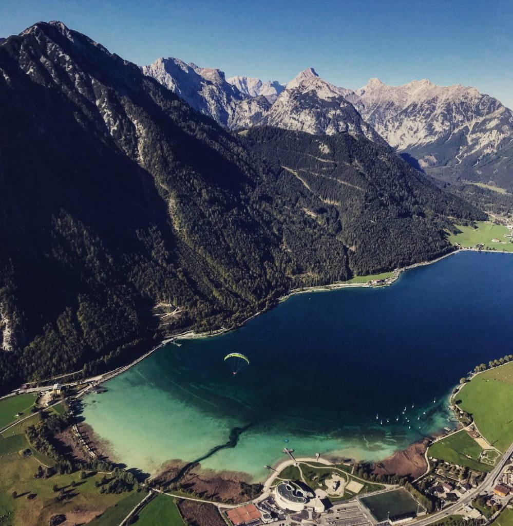 Die Aussicht bei meinem Tandemflug auf den Achensee und das Karwendel