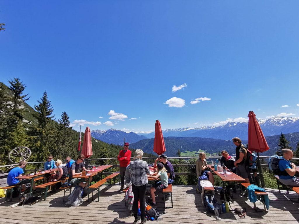 Der Blick von der Wettersteinhütte auf das Karwendel