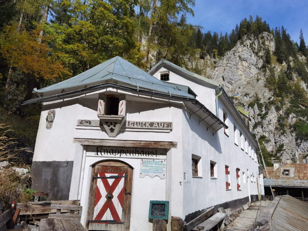 Die Herrenhäuser im Halltal - Salzabbau im Karwendel bis 1967